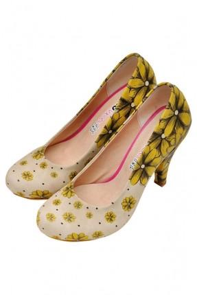حذاء نسائي بكعب وطبعة زهور