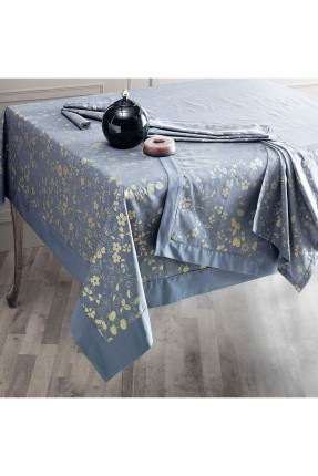 غطاء طاولة مزخرف ورد