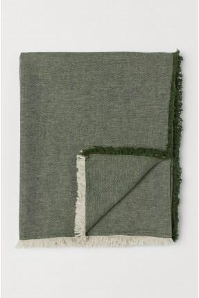 بطانية مزينة باطراف شراشيب