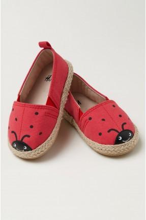 حذاء بيبي بناتي مزين بطبعة