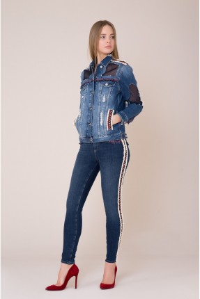 بنطال جينز نسائي مزين بخطوط جانبية