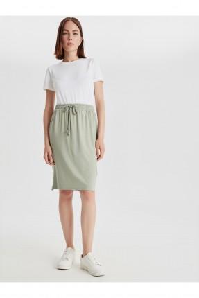 تنورة قصيرة بخصر مطاط