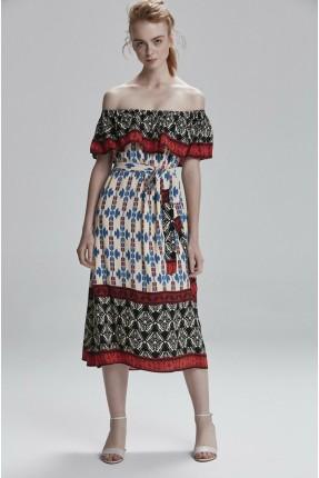 فستان سبور مزخرف باكتاف مكشوفة