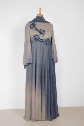 فستان رسمي طويل بلونين مزين بستراس