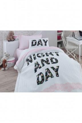 طقم غطاء سرير فردي مبطن مزين بكتابات