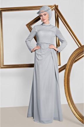 فستان رسمي  مع كسرات من الجنب