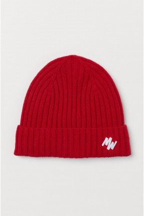 قبعة رجالية بطبعة احرف