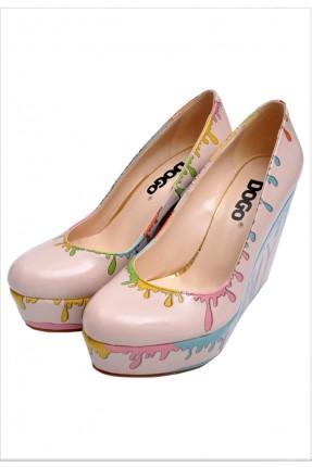 حذاء نسائي ملون