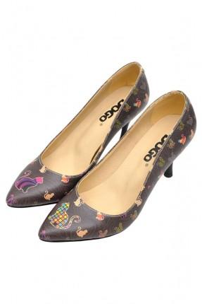 حذاء نسائي بطبعة قطط ملونة