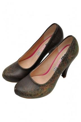 حذاء نسائي بخطوط ملونة