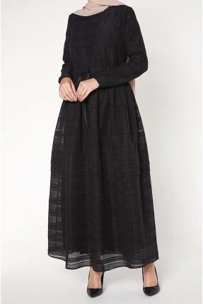 فستان سبور طويل مزين بدانتيل