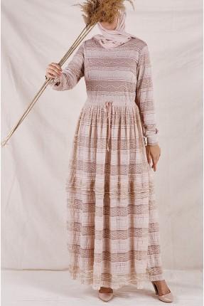 فستان سبور طويل مزينة بدانتيل