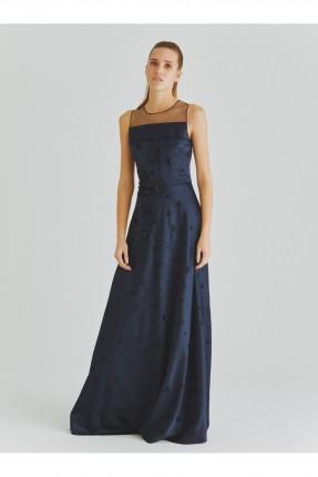 فستان رسمي طويل مزين بورود