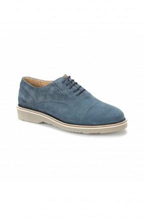 حذاء رجالي منقش بثقوب