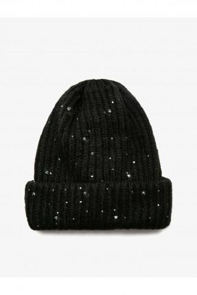 قبعة نسائية منقطة