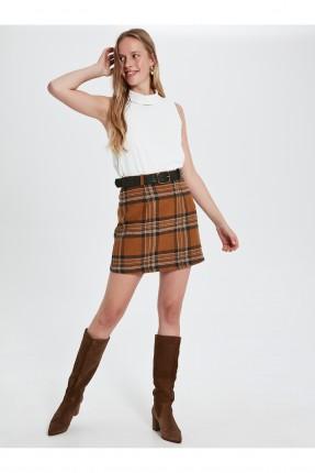 تنورة قصيرة كاروهات