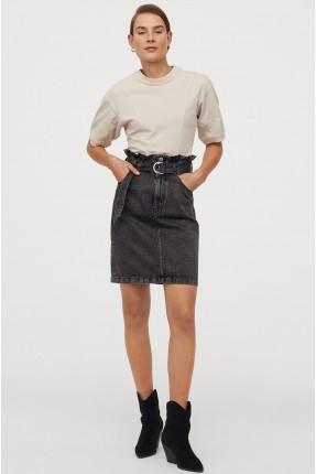 تنورة قصيرة سبور