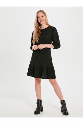 فستان سبور قصير مزين بكشكش