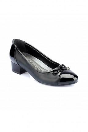حذاء نسائي شيك مزين بربطة