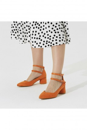 حذاء نسائي شيك بحزام