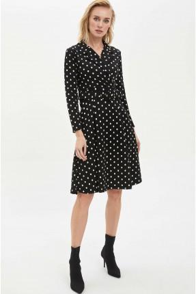 فستان نسائي منقط
