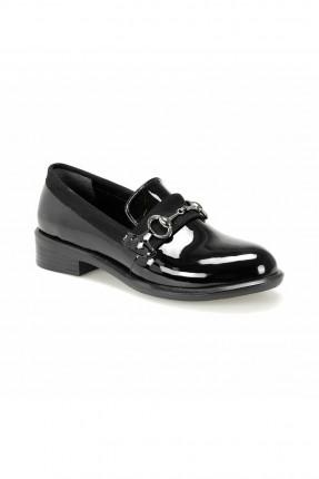 حذاء نسائي بدون رباط