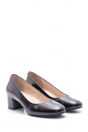 حذاء نسائي جلد