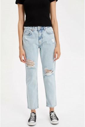 بنطال جينز نسائي ممزق