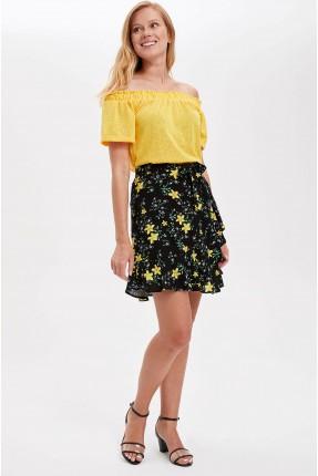 تنورة قصيرة بطبعة ازهار