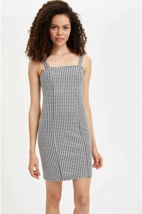 فستان سبور بشيالات كاروهات