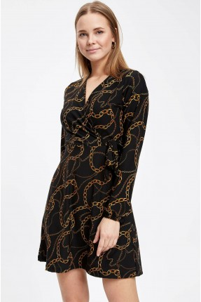 فستان سبور بطبعة سلاسل