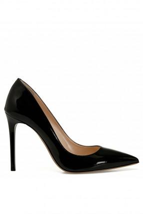 حذاء نسائي بكعب رفيع