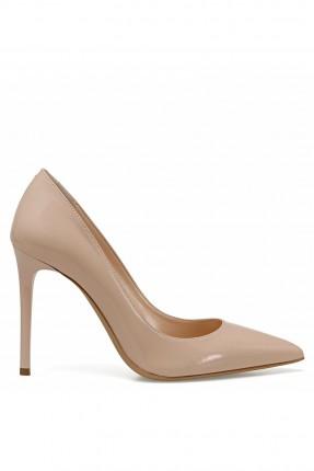 حذاء نسائي بكعب عالي