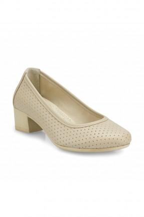 حذاء نسائي بكعب مربع
