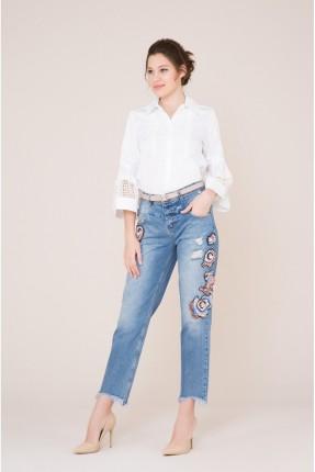 بنطال جينز نسائي بتطريز ملون
