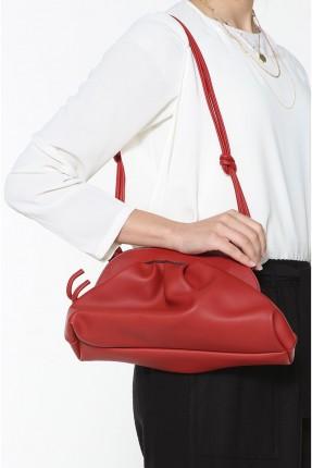 حقيبة يد نسائية مزينة بكسرات