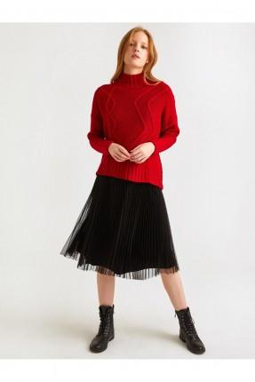 تنورة قصيرة مزينة بالتول