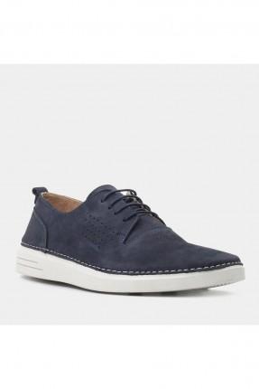 حذاء رجالي مع ثقوب على الجوانب