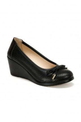 حذاء نسائي بفيونكة من الامام