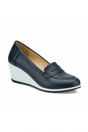 حذاء نسائي بكعب سابو