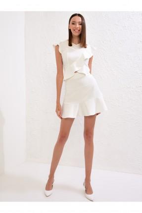 تنورة قصيرة كشكش من الاسفل