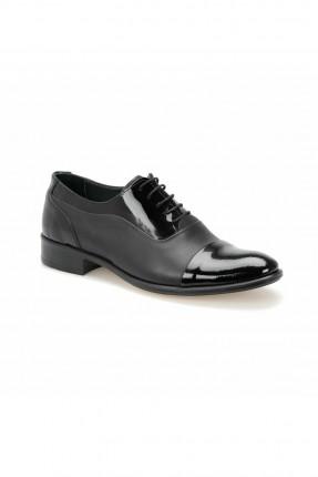حذاء رجالي مزين بلمعة من الامام