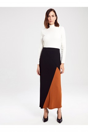 تنورة طويلة بطبعة ملونة - اسود