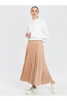 تنورة طويلة سبور مزينة بطيات