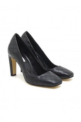 حذاء نسائي جلد بحبكة - اسود