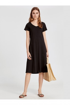 فستان شاطئ سادة بياقة V - اسود