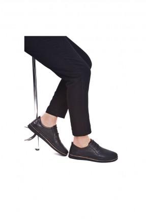 حذاء رجالي مزين بثقوب - اسود