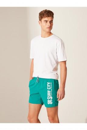 شورت سباحة رجالي بطبعة كتابة - اخضر