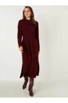 فستان سبور بتفاصيل ازرار على الاكمام - خمري