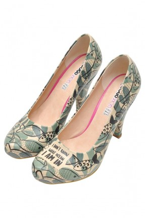 حذاء نسائي برسمة اسماك